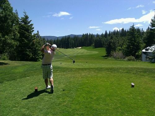 高尔夫挥杆的多体分析