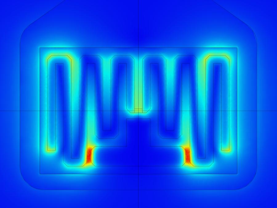 超高频 RFID 标签全电路板的电场仿真。