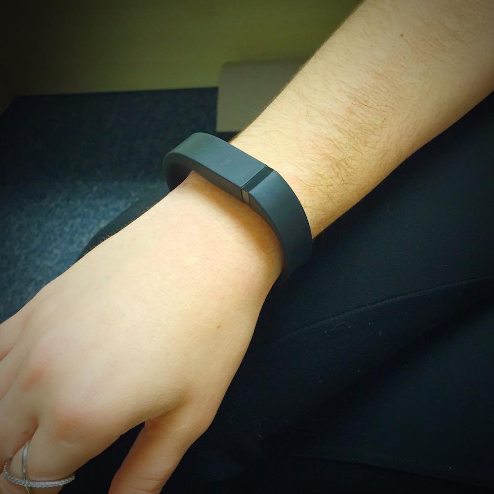 可穿戴技术,用于健康跟踪的手环。
