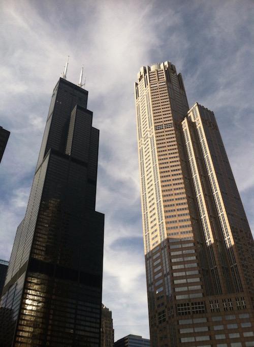 能源效率在建筑设计中很重要,例如此处的摩天大楼设计。