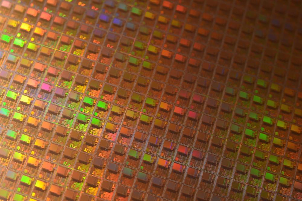 晶圆照片,电子产品设计中的关键部件。