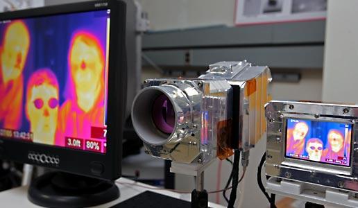 显示红外摄像机的图像。
