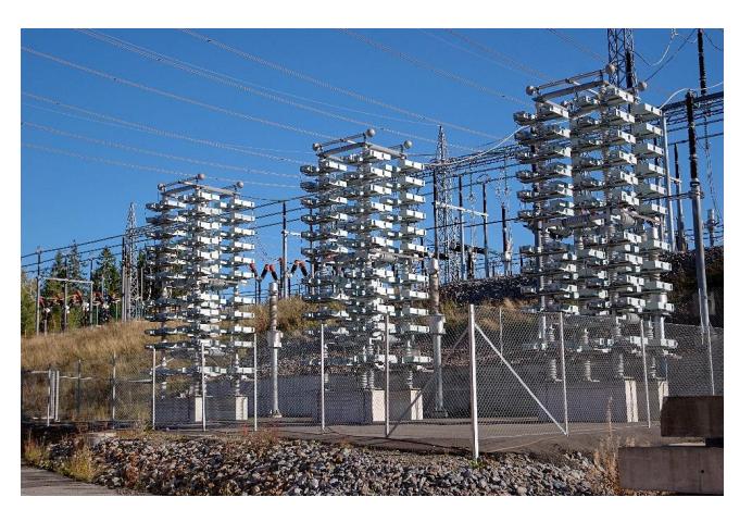 capacitor bank 使用 App 分析电气设备的外部电场