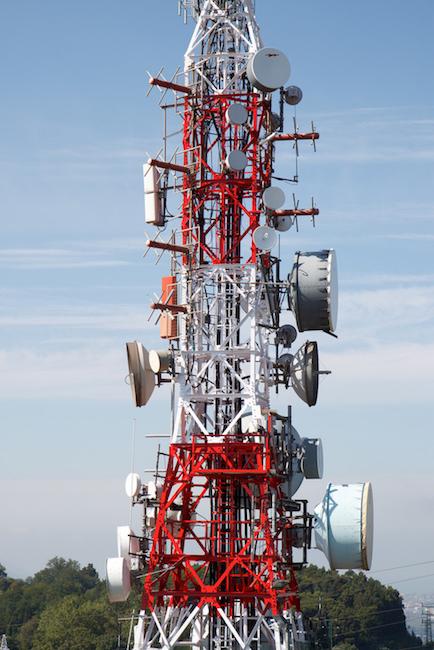 微波发射塔图片。