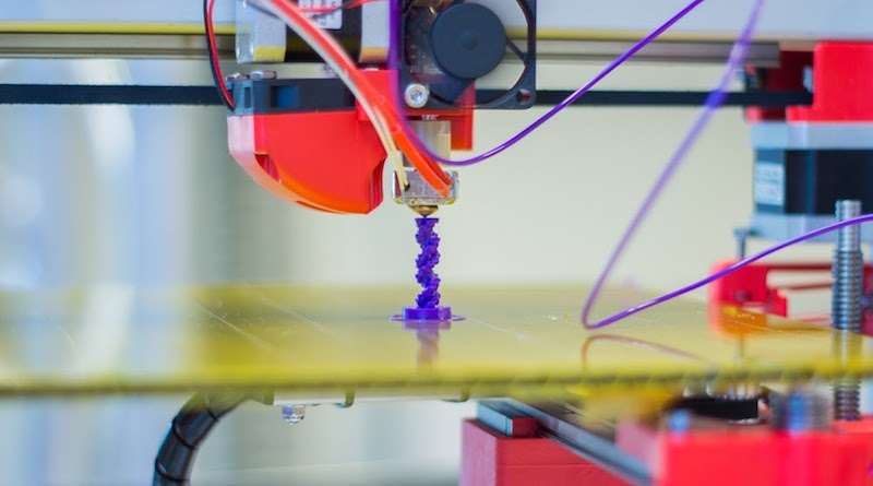 A photograph of a 3D printer.