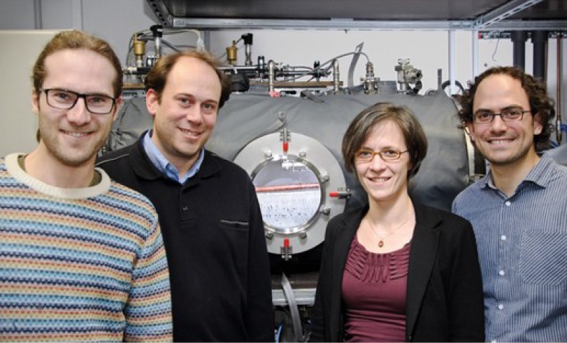 A photograph of the Fraunhofer ISE research team.