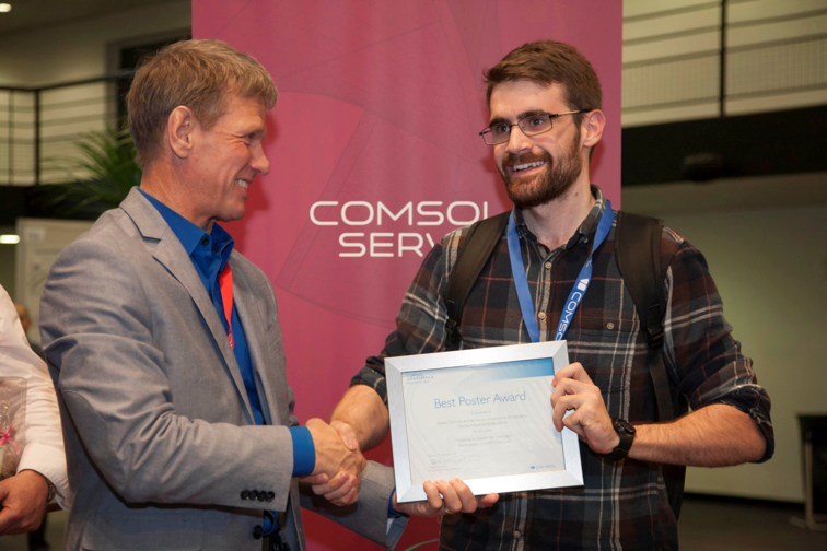 Xavier Corbella receives a Best Poster award at the COMSOL Conference 2015 Grenoble.