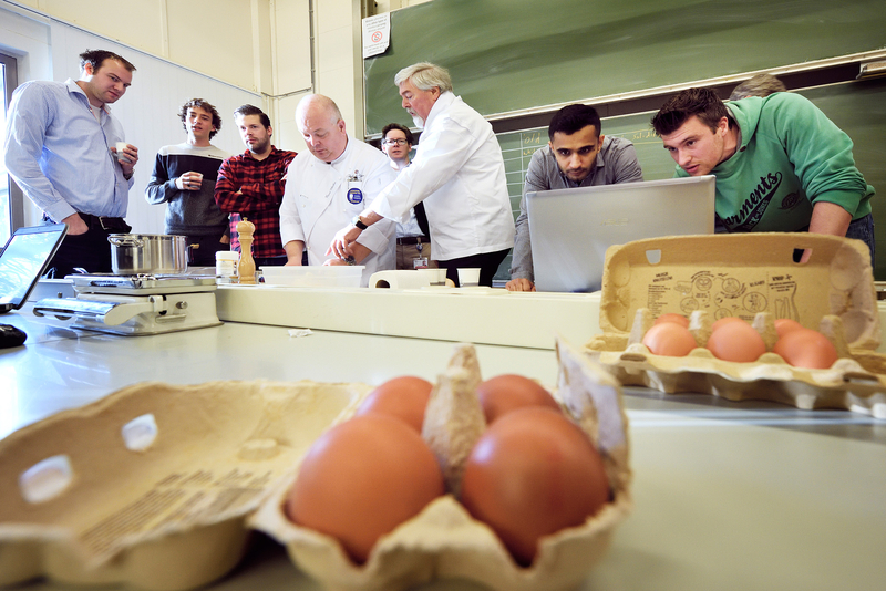 Students investigate how to make the perfect soft-boiled egg with the help of simulation.