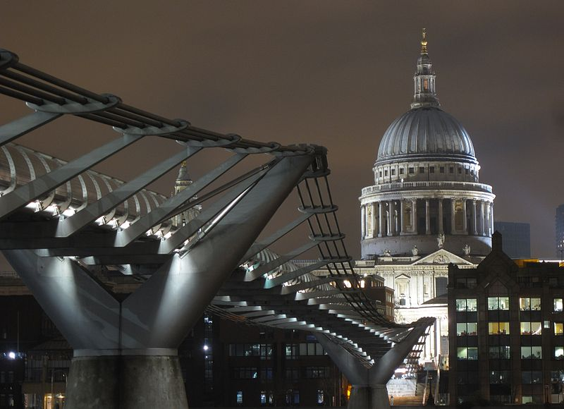 Photo showing the London Millennium Footbridge.