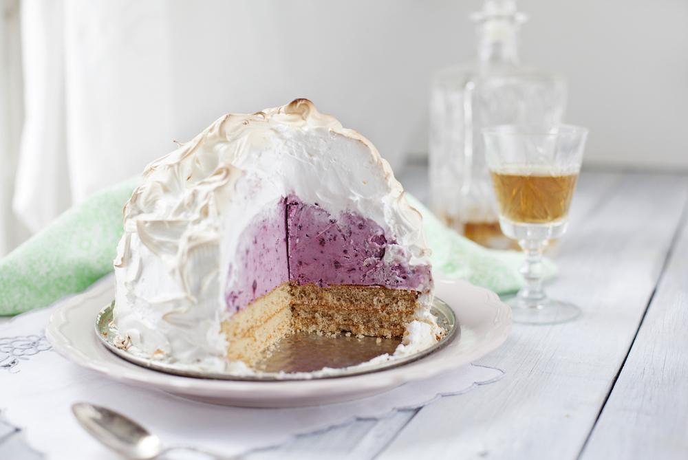 A photograph of a baked Alaska dessert.