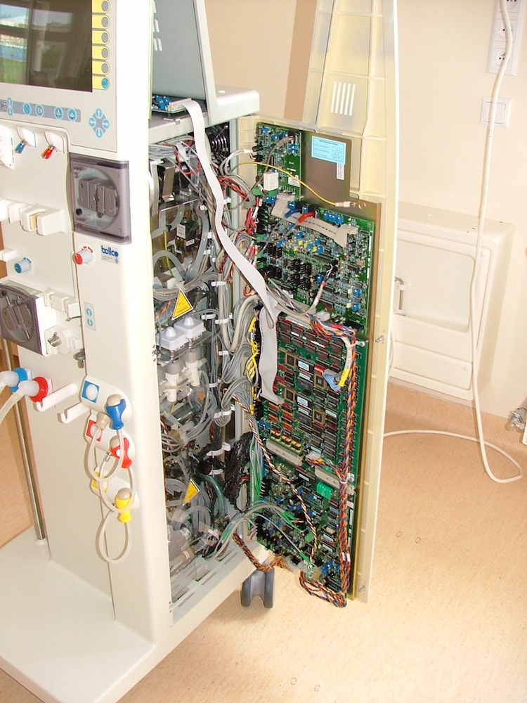A photograph of the inside of a hemodialysis machine.