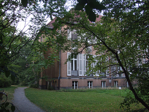 A photo of a building at the Technical University of Berlin.