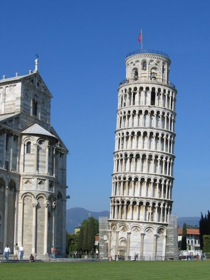 A photo of the Leaning Tower of Pisa.