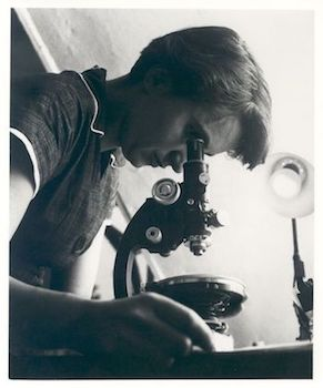 rosalind-franklin-microscope-featured