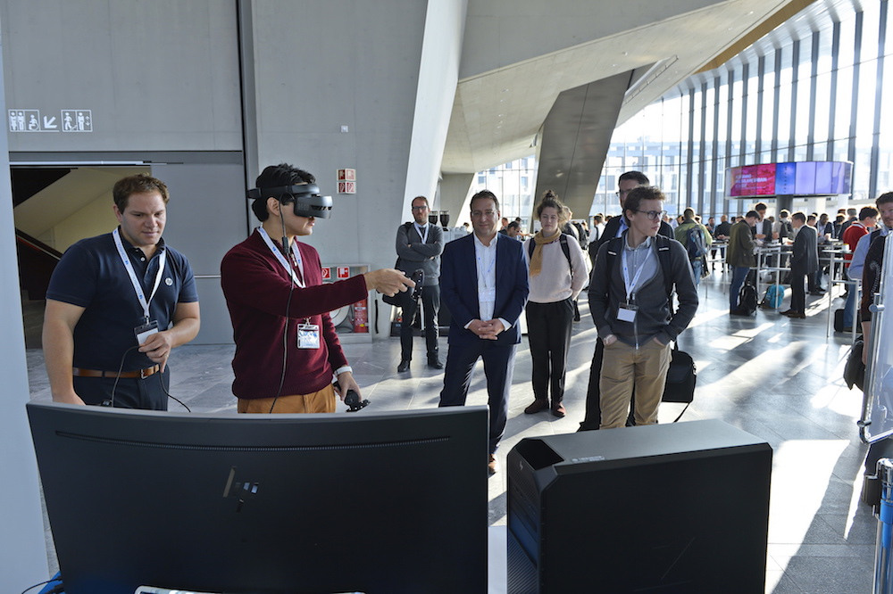 Attendees experience virtual reality at the exhibitor booth of Gold sponsor HP Switzerland.