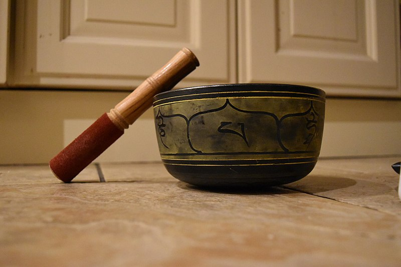 A photograph of a typical singing bowl.
