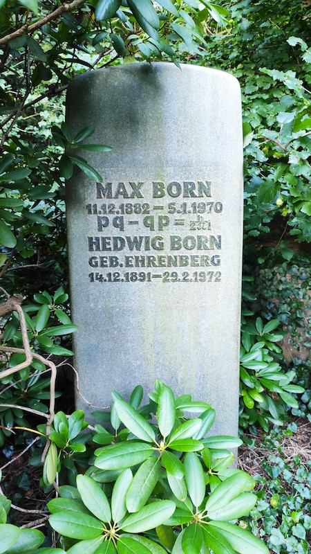 The family tombstone of physicist Max Born with an inscribed equation.