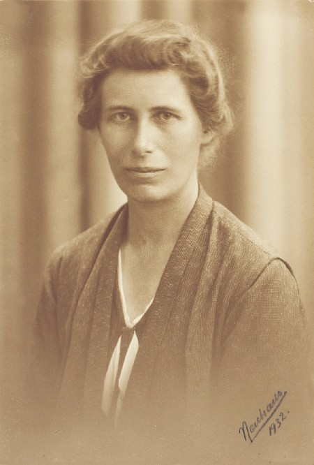 A sepia-toned portrait of Inge Lehmann.